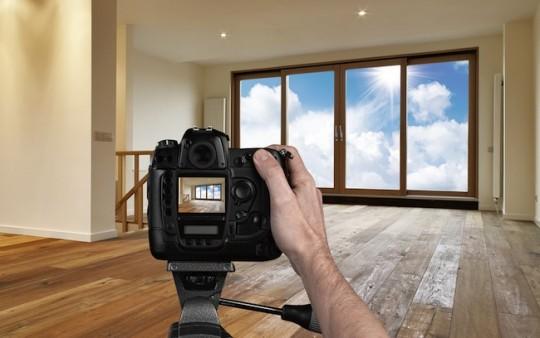 фотографя нерухомості суперово продає квартиру чи будинок