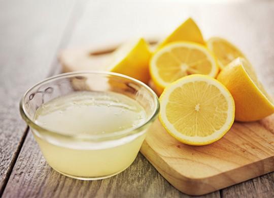 півчашки чистого лимонного соку